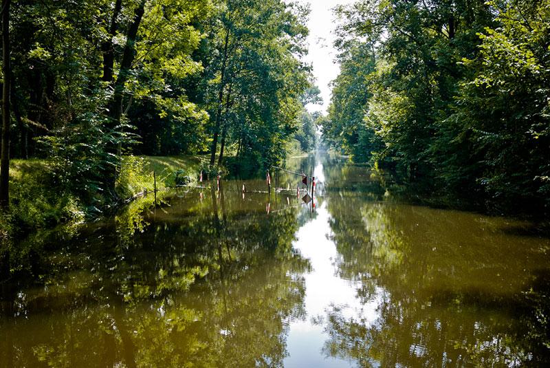Pas Aguire ou la colèr des Dieux mais un hausboot à Berlin - Photo copyright Didier Laget