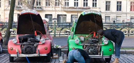 2CV A berlin - Photo copyright Didier Laget