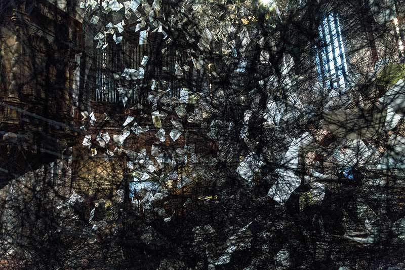 Chiharu Shiota - Lost-words - Photo Didier Laget