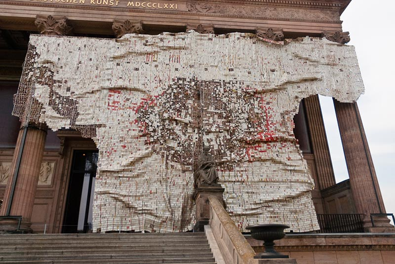 El-Anatsui A berlin - Photo copyright Didier Laget