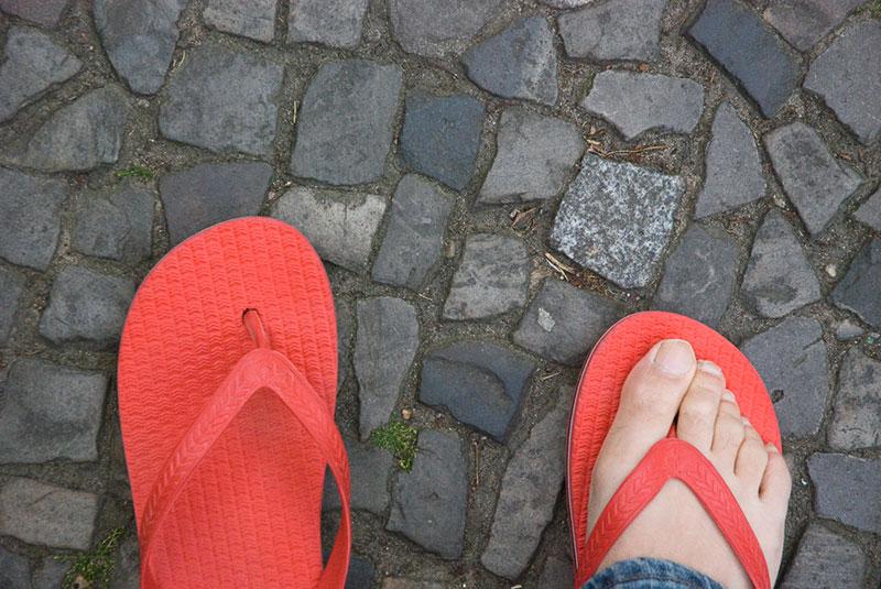 En-tongs-dans-KreuzbergA berlin - Photo copyright Didier Laget