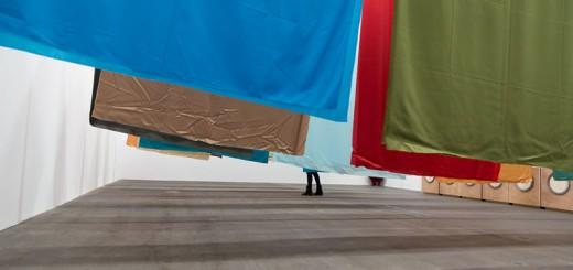 « The Laundry » par Thomas Schütte