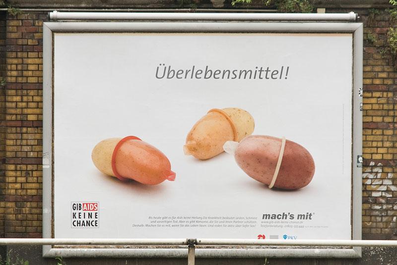 Journee-mondiale-du-Sida A berlin - Photo copyright Didier Laget