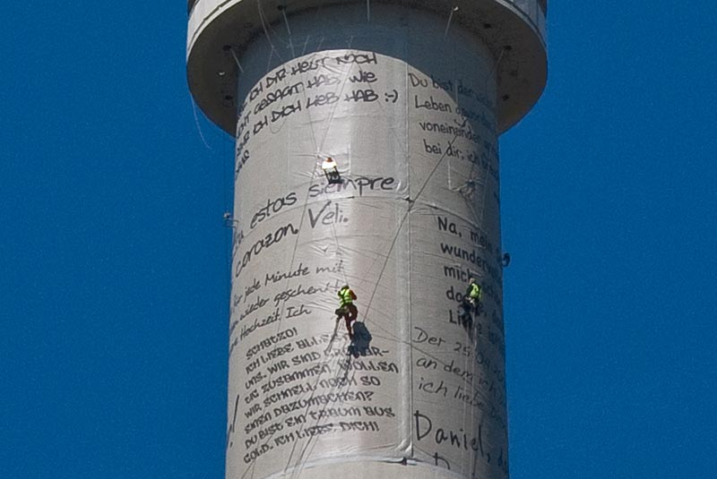 Love-on-the-Fernsehturm A berlin - Photo copyright Didier Laget