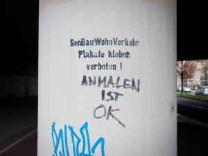 Plakate-kleben-Verboten A berlin - Photo copyright Didier Laget