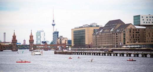 Berlin panorama Spree - Photo copyright Didier Laget