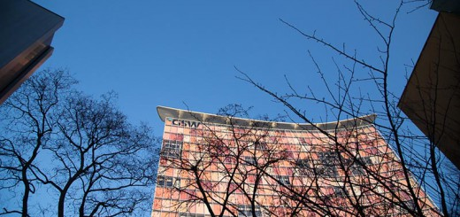 bleu A berlin - Photo copyright Didier Laget