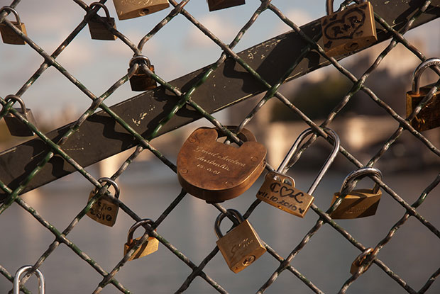 cadenas pont des arts A berlin - Photo copyright Didier Laget