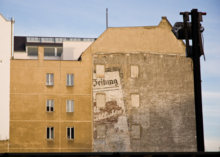 die-essenz-von-berlin A berlin - Photo copyright Didier Laget