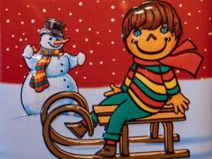 enfant-luge-neige