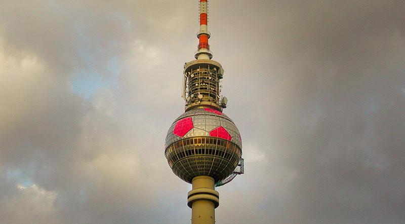 foot-fernsehturm-A berlin - Photo copyright Didier Laget