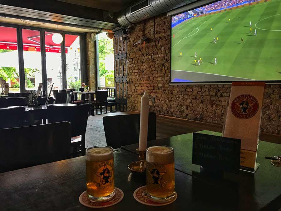 Foot à Berlin avec Frauen WM 2019 à Kreuzberg