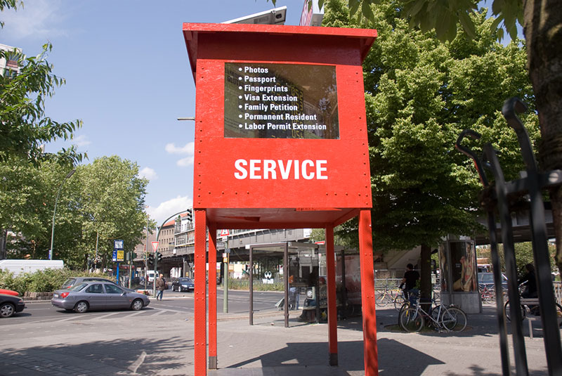 global-immigration-service-A berlin - Photo copyright Didier Laget