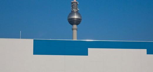 la-grande-asperge A berlin - Photo copyright Didier Laget