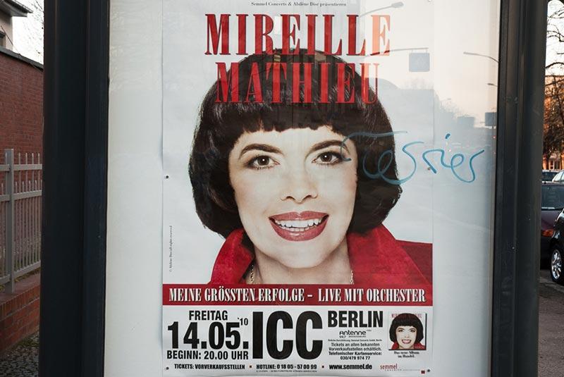 mireille-mathieu A berlin - Photo copyright Didier Laget