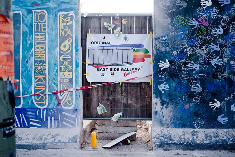 mur-de-berlin- A berlin - Photo copyright Didier Laget