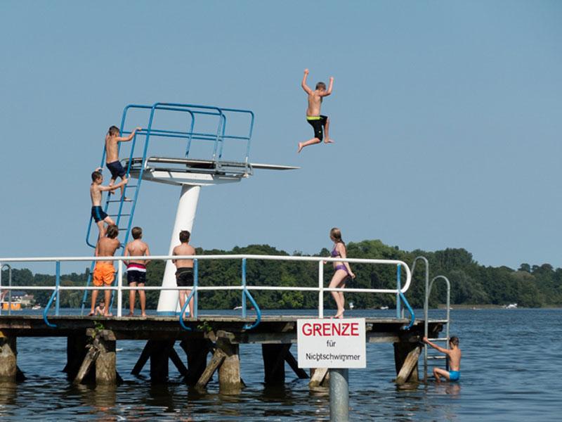 Neuruppin - Jahnbad - Grenze für Nichtzwimmer