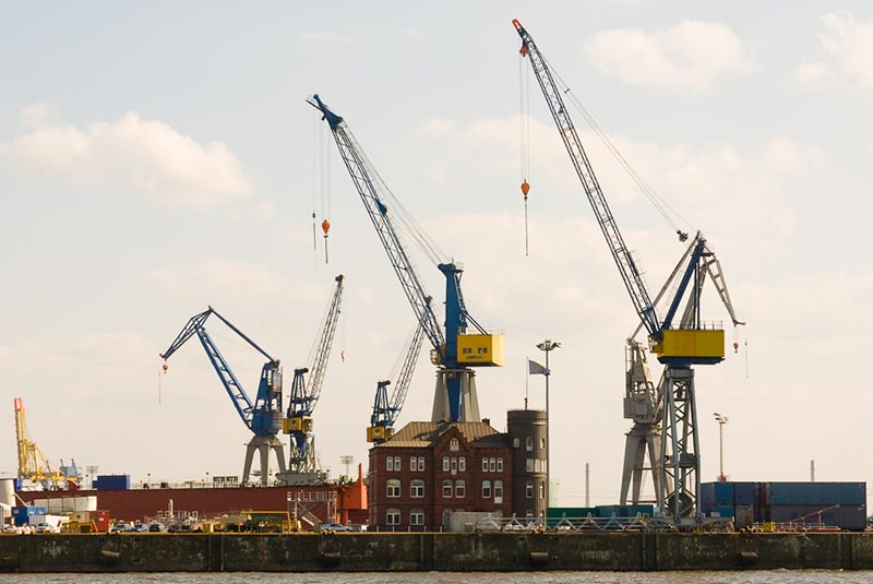 port-hambourg A berlin - Photo copyright Didier Laget