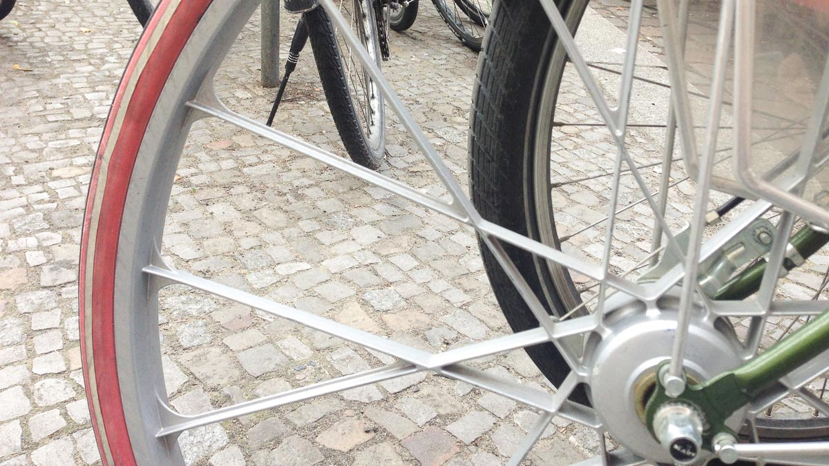 étrange roue de vélo Photo Didier Laget