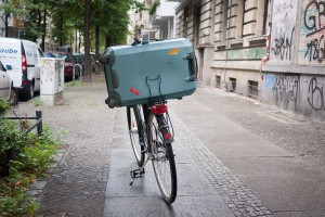 Velo-valise- A berlin - Photo copyright Didier Laget