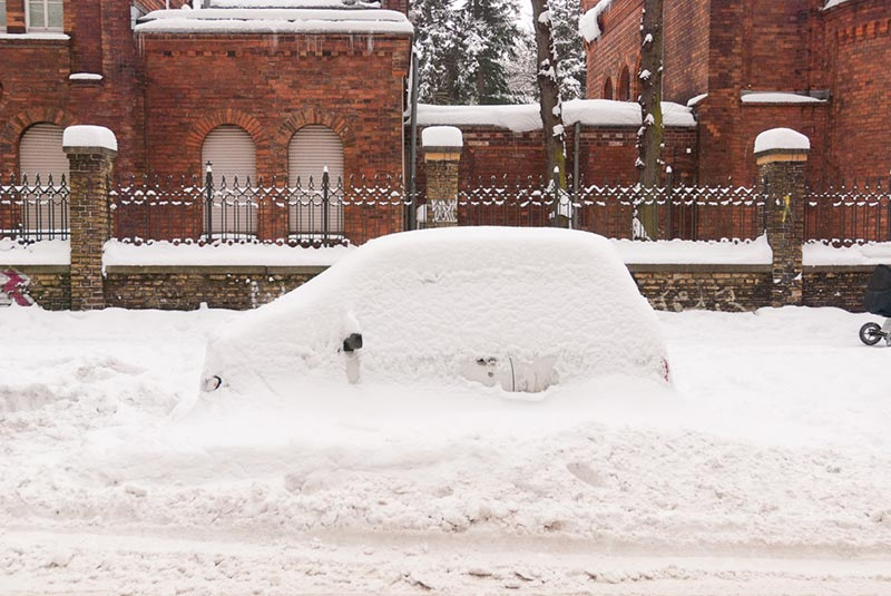 voiture-sous-la-neige A berlin - Photo copyright Didier Laget